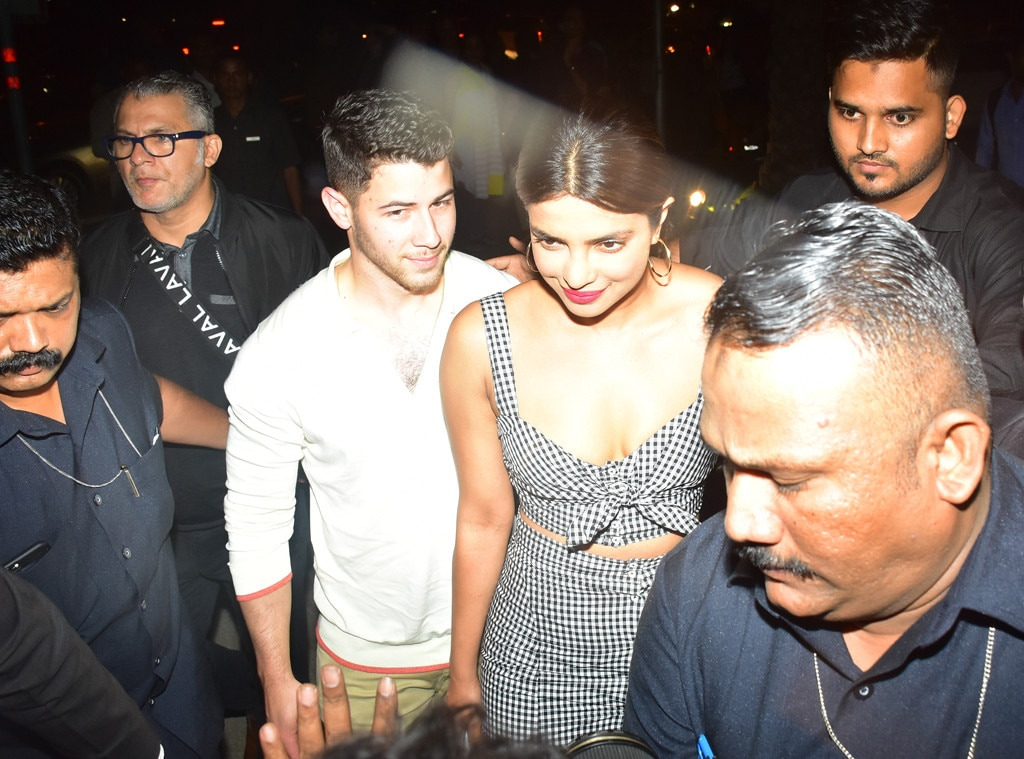 Priyanka Chopra, Nick Jonas walk hand-in-hand for dinner date