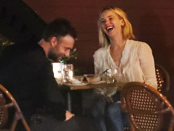 Jennifer Lawrence and Cooke Maroney Share a Kiss During Dinner Date