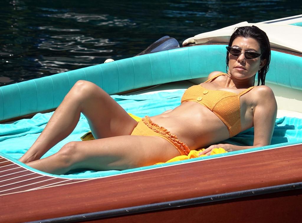 Kourtney Kardashian, Bikini