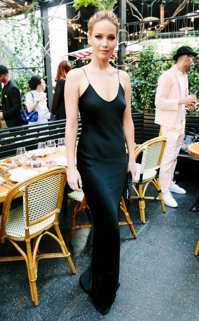 Jennifer Lawrence S Slip Dress Is Made For Lazy Girls And