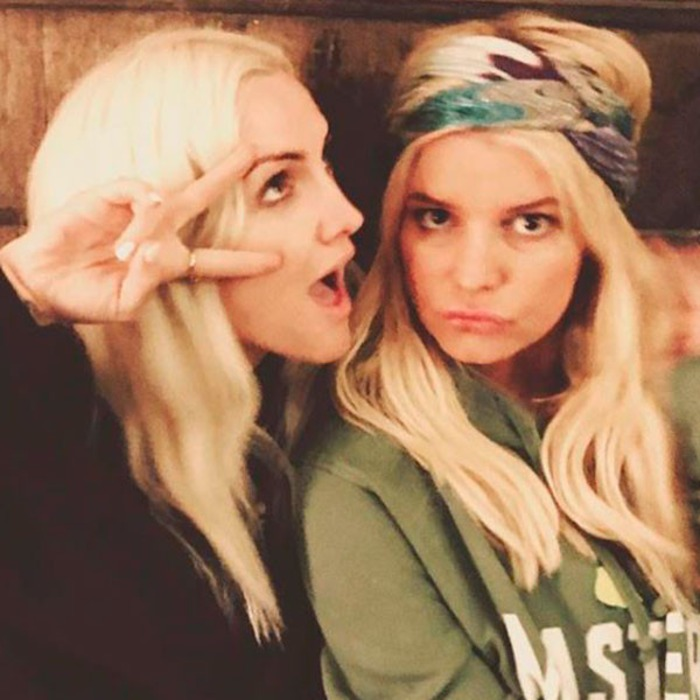 A Tribute to Ashlee Simpson-Ross and Jessica Simpson\'s Seriously ...