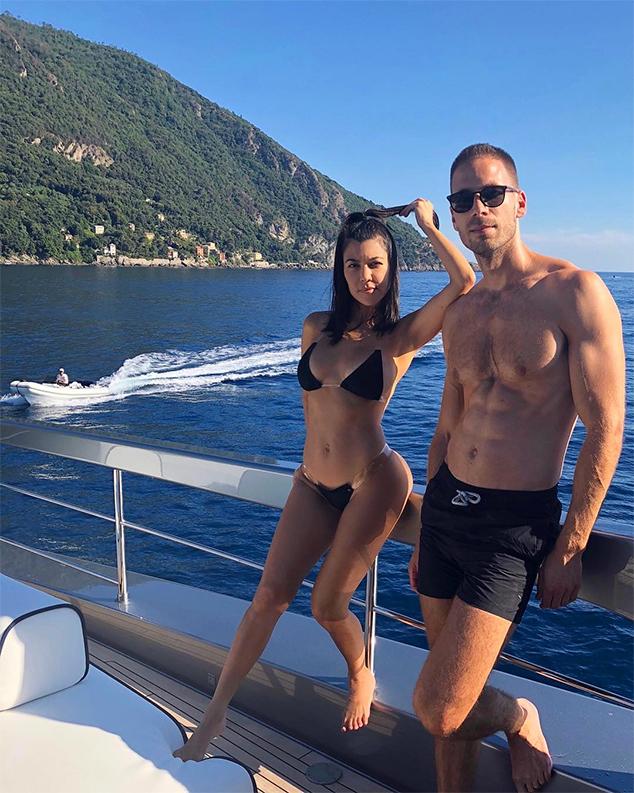 Kourtney Kardashian, Bikini, Simon Huck, Italy