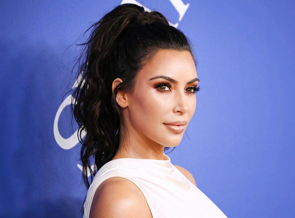 How Kim Kardashian Enhanced Her Natural Hair Texture at ...