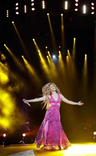 Shakira Kicks Off El Dorado World Tour E News Canada