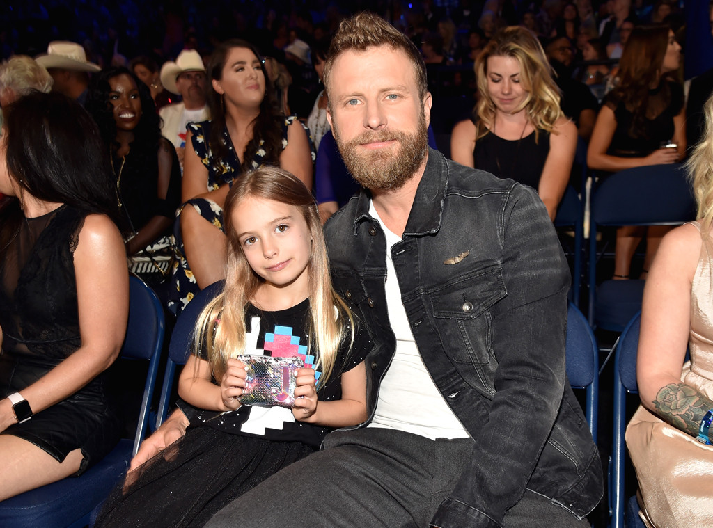 Dierks Bentley, 2018 CMT Music Awards