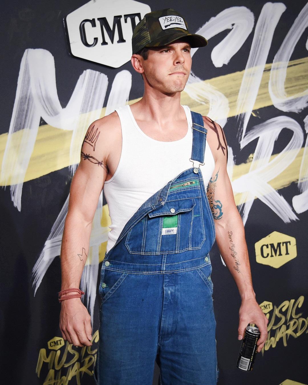 ESC: Earl Dibbles Jr., 2018 CMT Music Awards