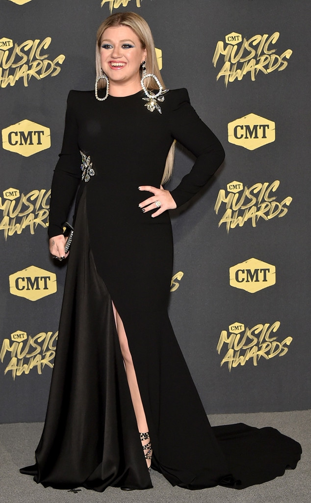 Kelly Clarkson, 2018 CMT Music Awards