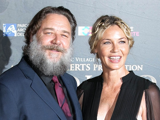 Russell Crowe Reunites With <i>Gladiator</i> Cast at Rome's Colosseum