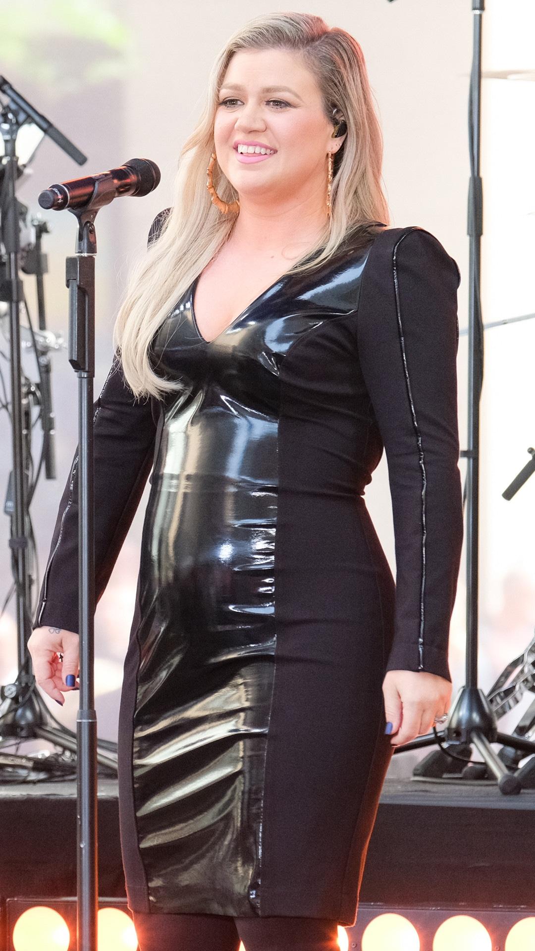 Kelly Clarkson, 2017, 2018