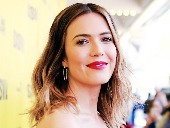 Mandy Moore Loves This Eye Liner So Much, She Doesn't Want to Shower