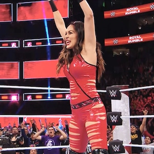 Brie Bella, Total Bellas 304