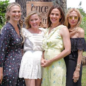 Molly Sims, Jessica Capshaw, Jennifer Garner, Rachel Zoe