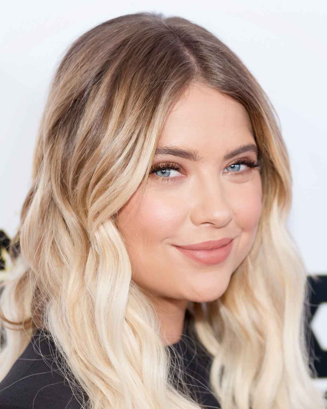 Ashley Bensons Summer Glow Is Courtesy Of This Natural -8707