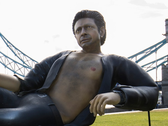 Jeff Goldblum Gets Shirtless Statue Erected in London and Tourists Are Mesmerized