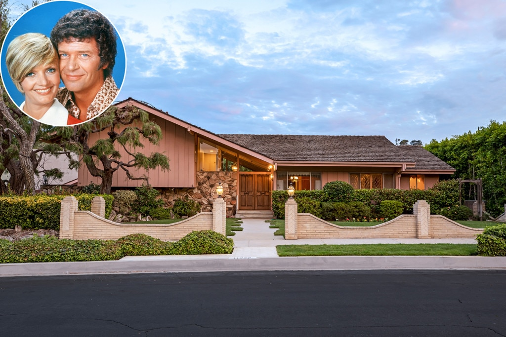 Iconic 'Brady Bunch' house goes on the market after nearly 50 years