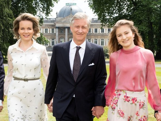 Belgium's King Philippe and Queen Mathilde Appear With 4 Kids in New Family Portraits