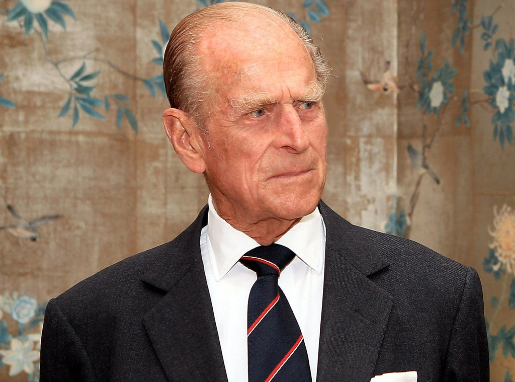 Prince Philip visits hospital after auto crash