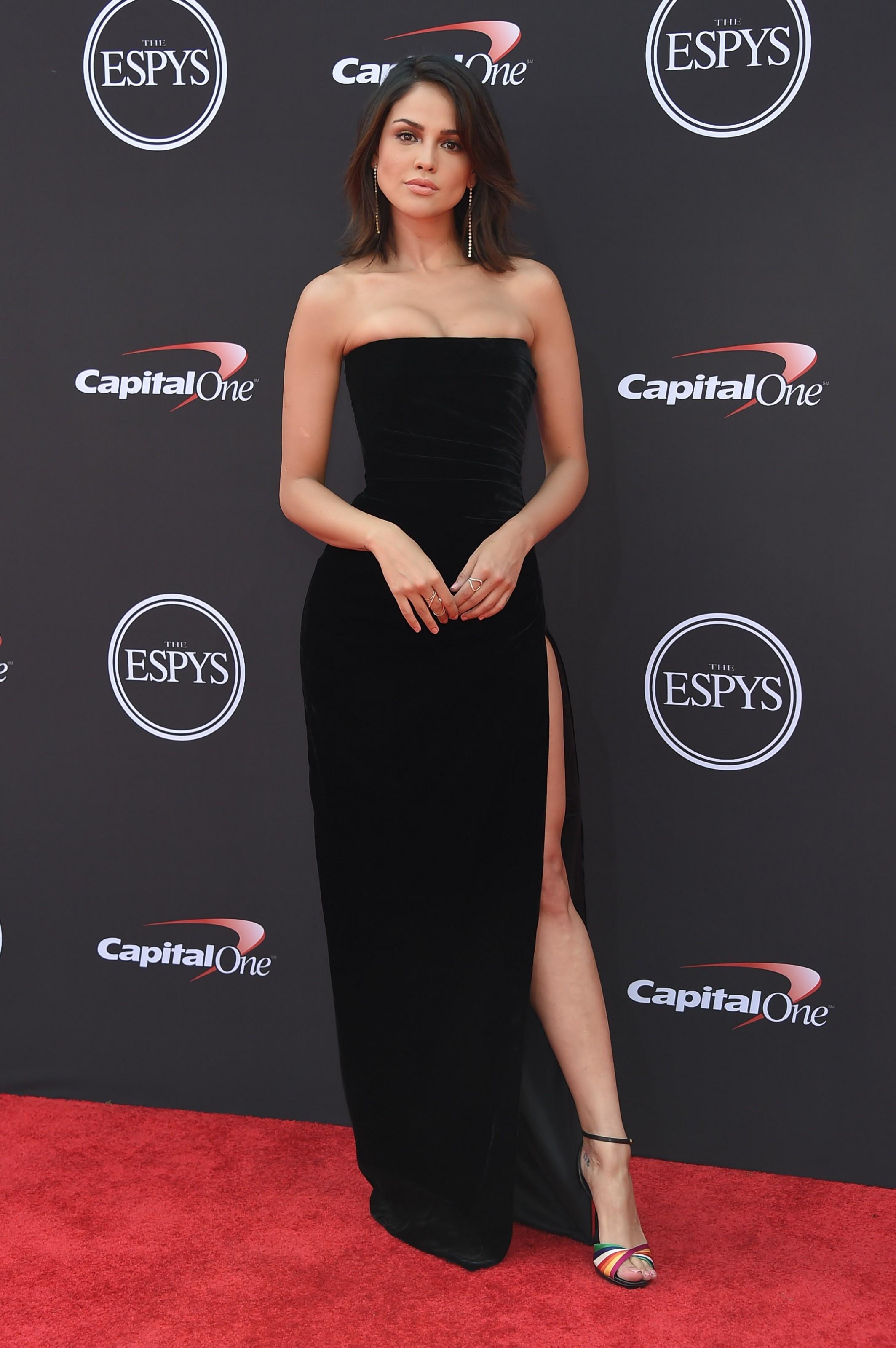 Eiza González, Angelina Jolie