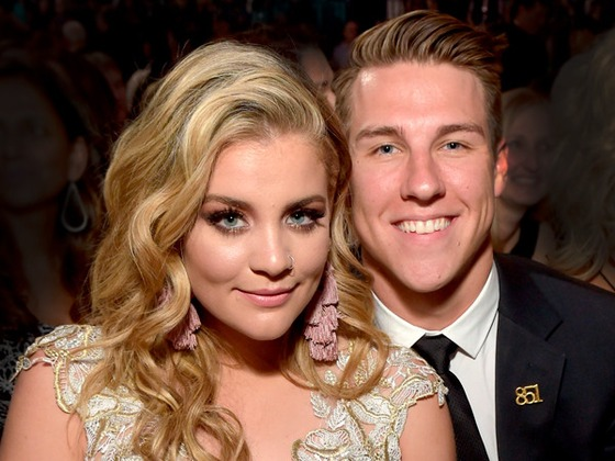 Lauren Alaina Calls Off Engagement to High School Boyfriend