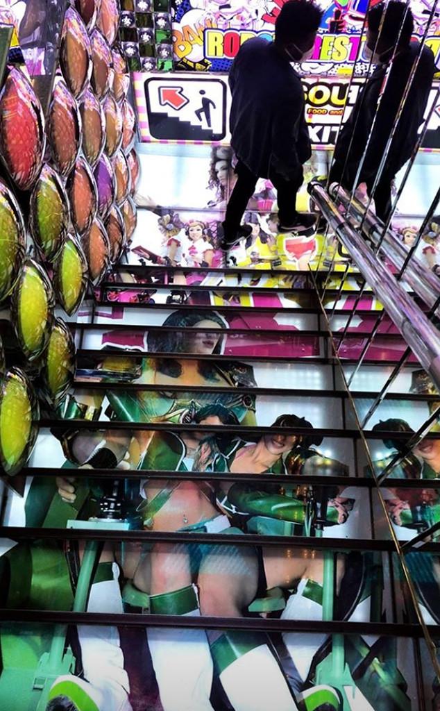 Bella Hadid, The Weeknd, Tokyo, Robot Restaurant