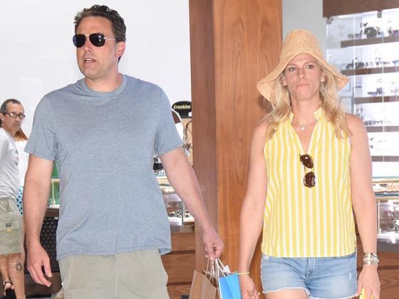 Lindsay Shookus Deletes Her Instagram as Ben Affleck's Date with Playboy Model Sparks Rumors