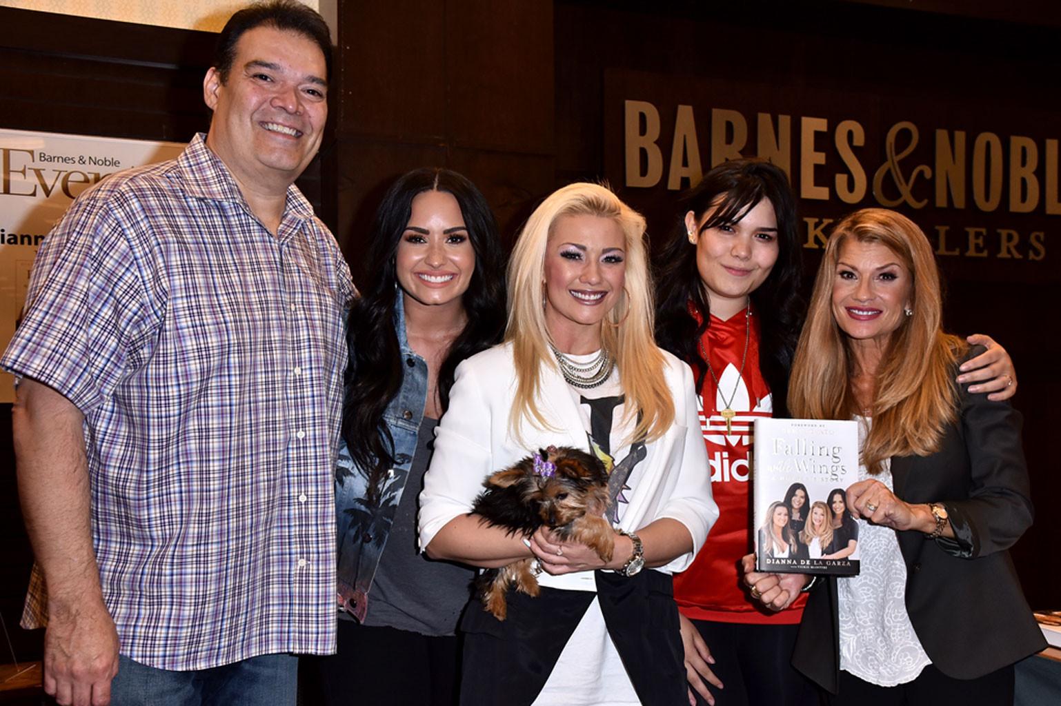 Patrick Lovato, Demi Lovato, Dallas Lovato, Madison De La Garza, Dianna De La Garza