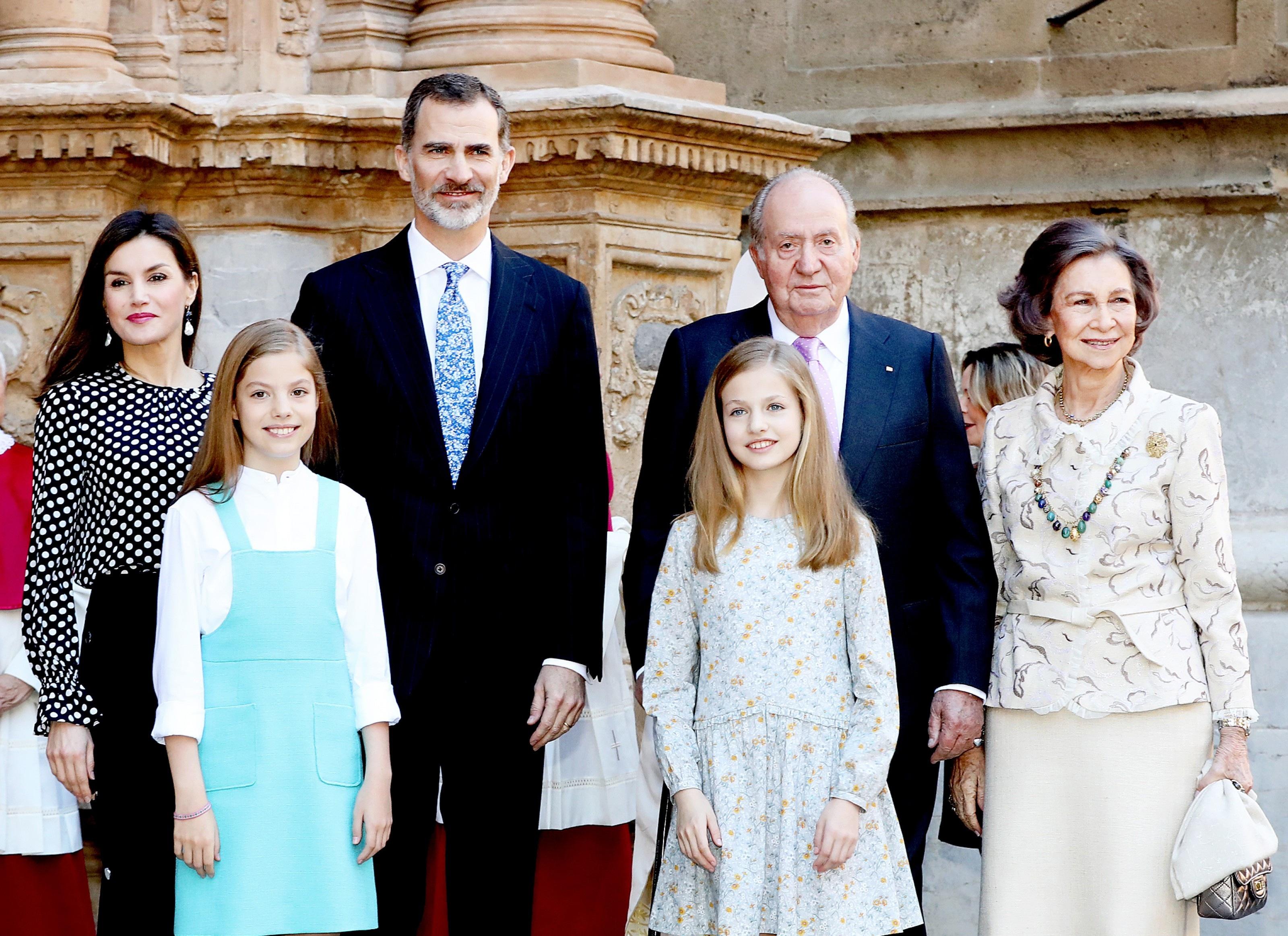 Letizia, principe Felipe, rey Juan Carlos I, reina Sofía