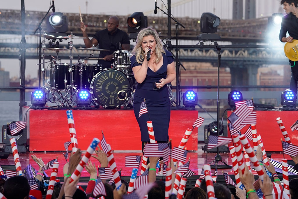 Kelly Clarkson, Fourth of July 2018