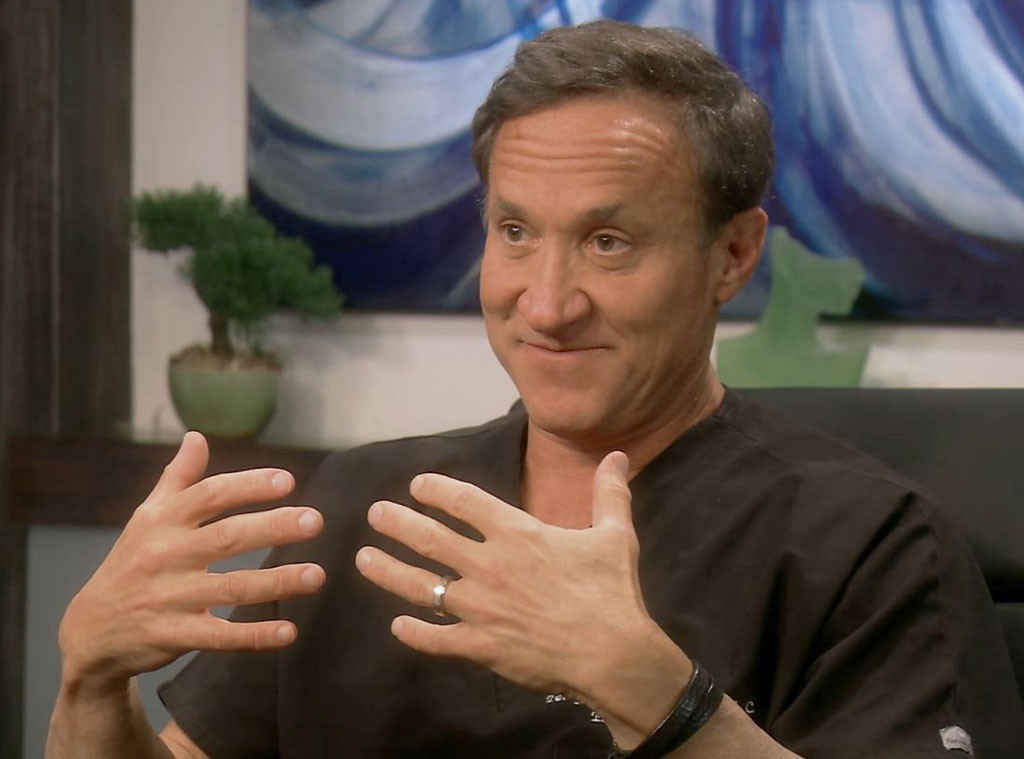 Leslie, Dr. Terry Dubrow, Botched_421