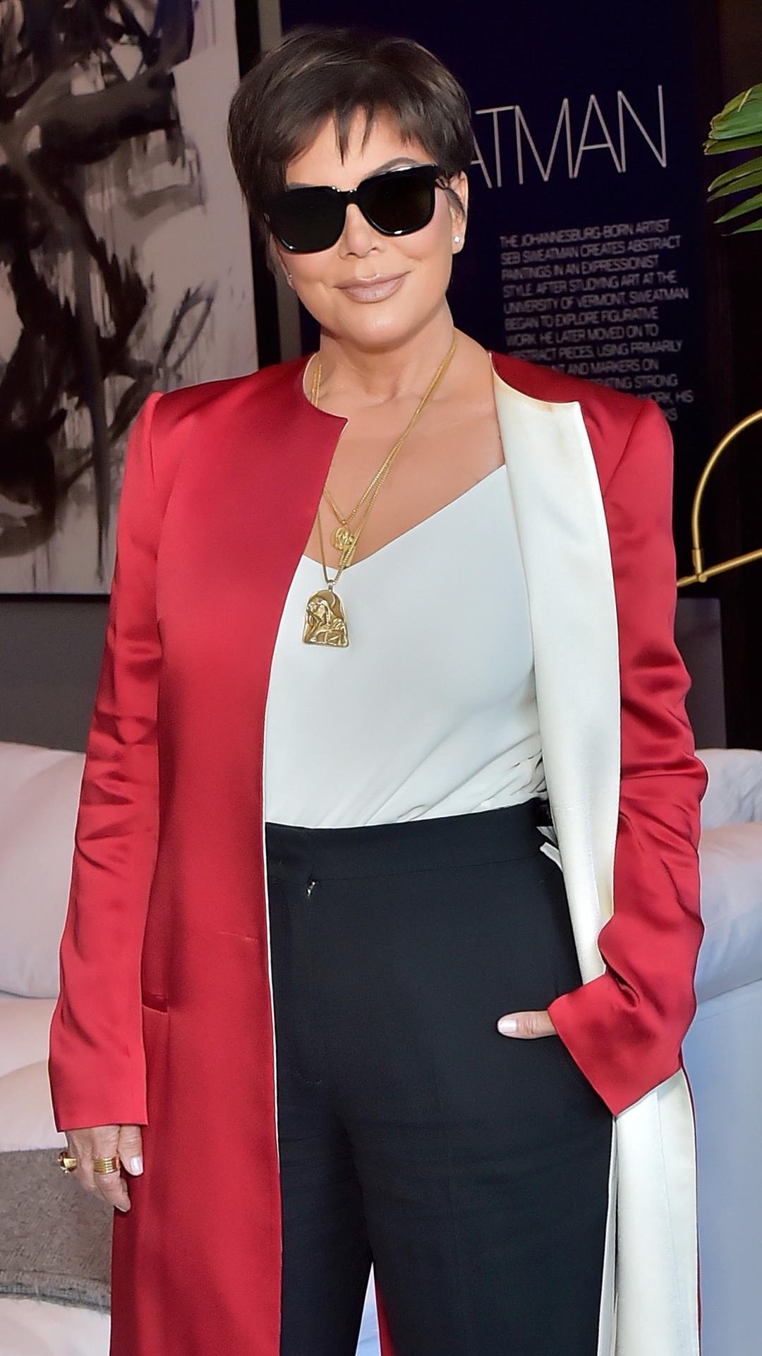 ESC: Best Dressed of the Week, Kris Jenner