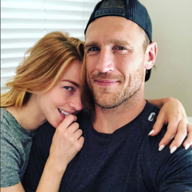 Julianne Hough, Brooks Laich, Sunday Selfie