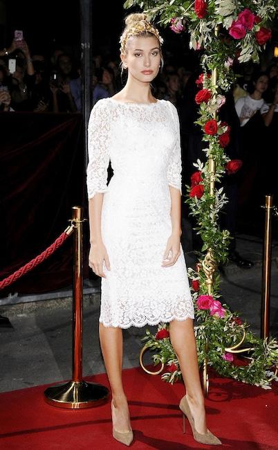 ESC: Hailey Baldwin, Dolce & Gabbana