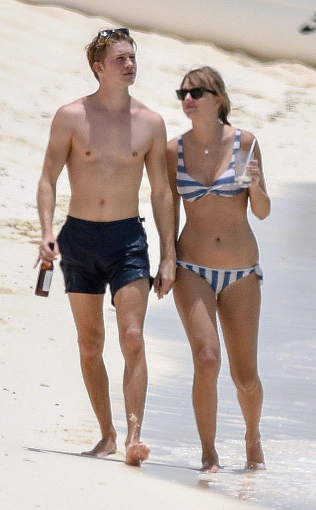 taylor swift and joe alwyn hold hands in turks and caicos e news