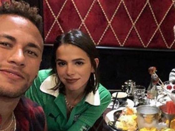 Neymar posta música com suposta indireta para Bruna Marquezine