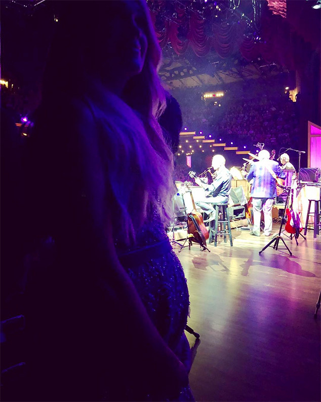 Carrie Underwood, Baby Bump