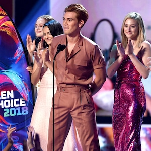 KJ Apa, Riverdale, 2018 Teen Choice Awards, Show, Winners