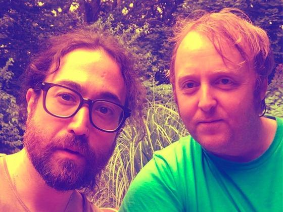 Les fils de Paul McCartney et John Lennon donnent aux fans des Beatles des flash-back avec ce selfie épique
