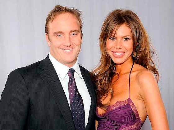 Jay Mohr and Nikki Cox Finalize Their Divorce 2 Years After Splitting