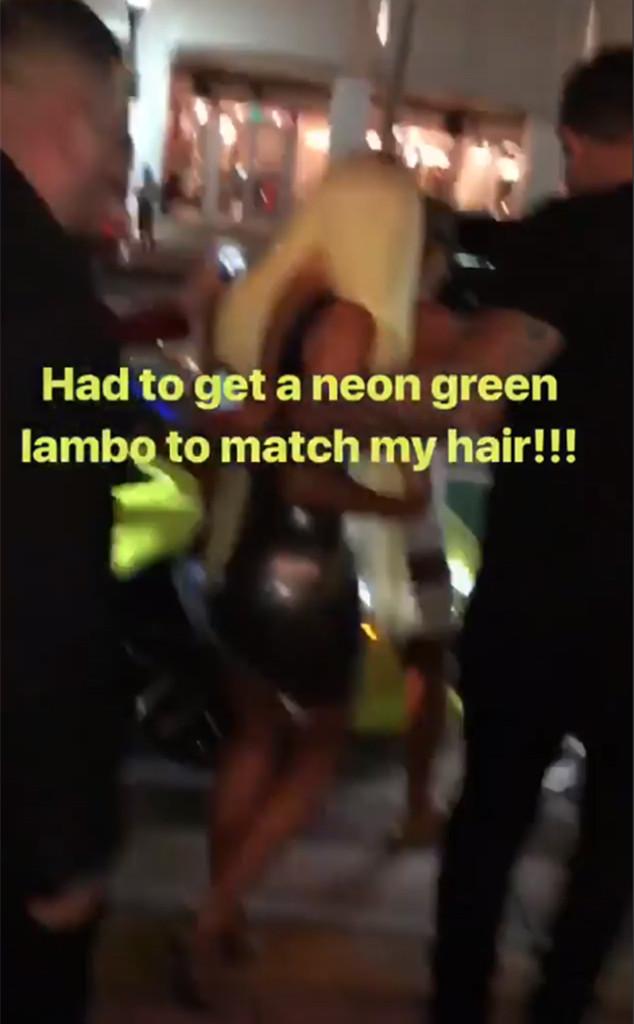 Kim Kardashian, Neon Green Wig, Miami