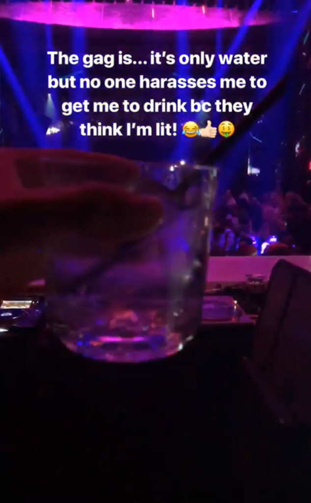 Kim Kardashian, Nightclub, Miami, Water