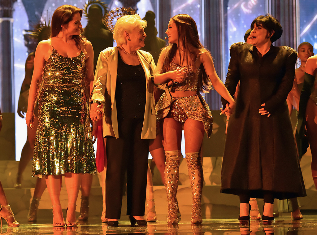 Lani Grande, Marjorie Grande, Ariana Grande, Joan Grande, 2018 MTV Video Music Awards, Show