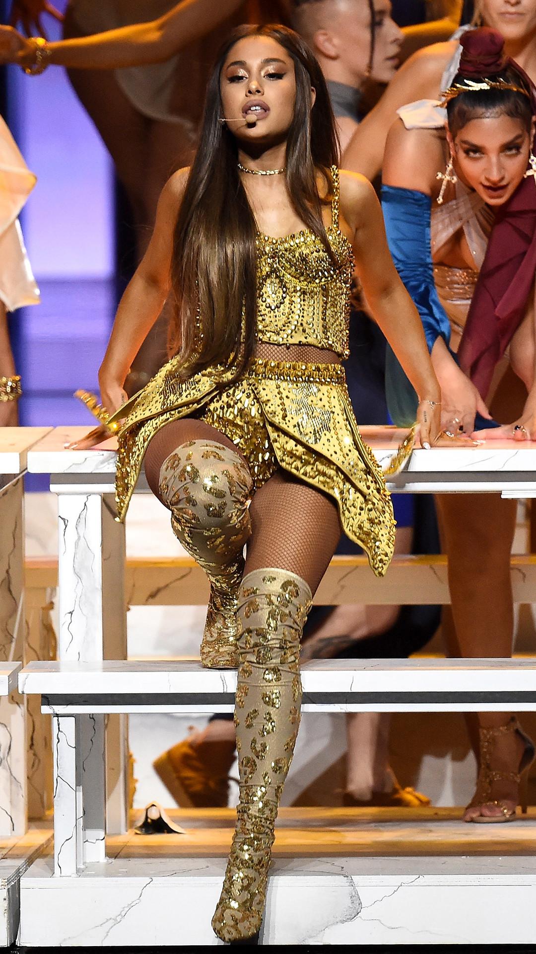 Ariana Grande, 2018 MTV Video Music Awards, Show