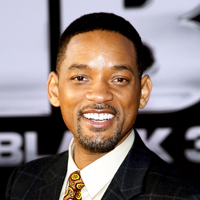 0f1a74fac6b Will Smith Grants Our Wish by Unveiling Live-Action Aladdin Poster ...