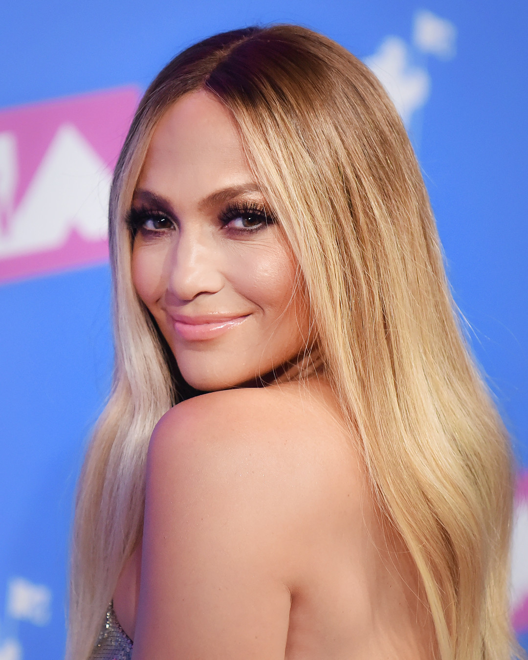 Jennifer Lopez\'s Mermaid Hair and More Stunning Beauty at the MTV ...