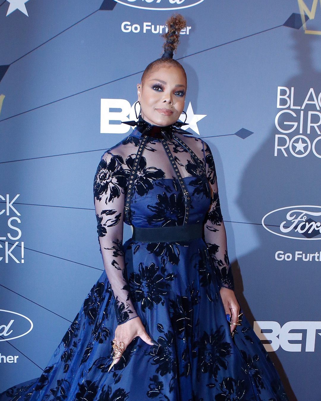Fashion Rewind: 15 Red Carpet Outfits From the Weekend You