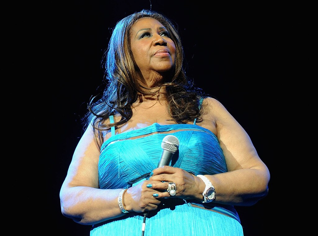 Line forms again overnight for second day of Aretha Franklin viewing