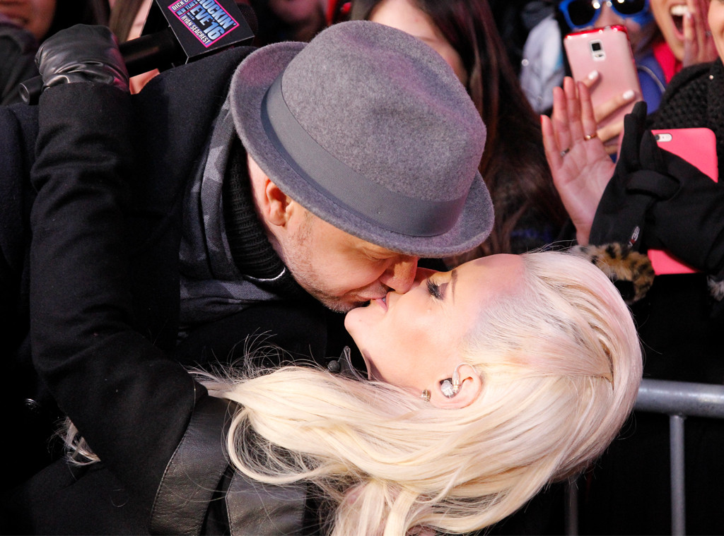 DONNIE WAHLBERG, JENNY MCCARTHY, New Years 2015
