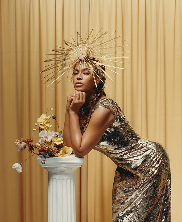 Beyoncé's iconic Vogue cover is here - Twitter goes beserk