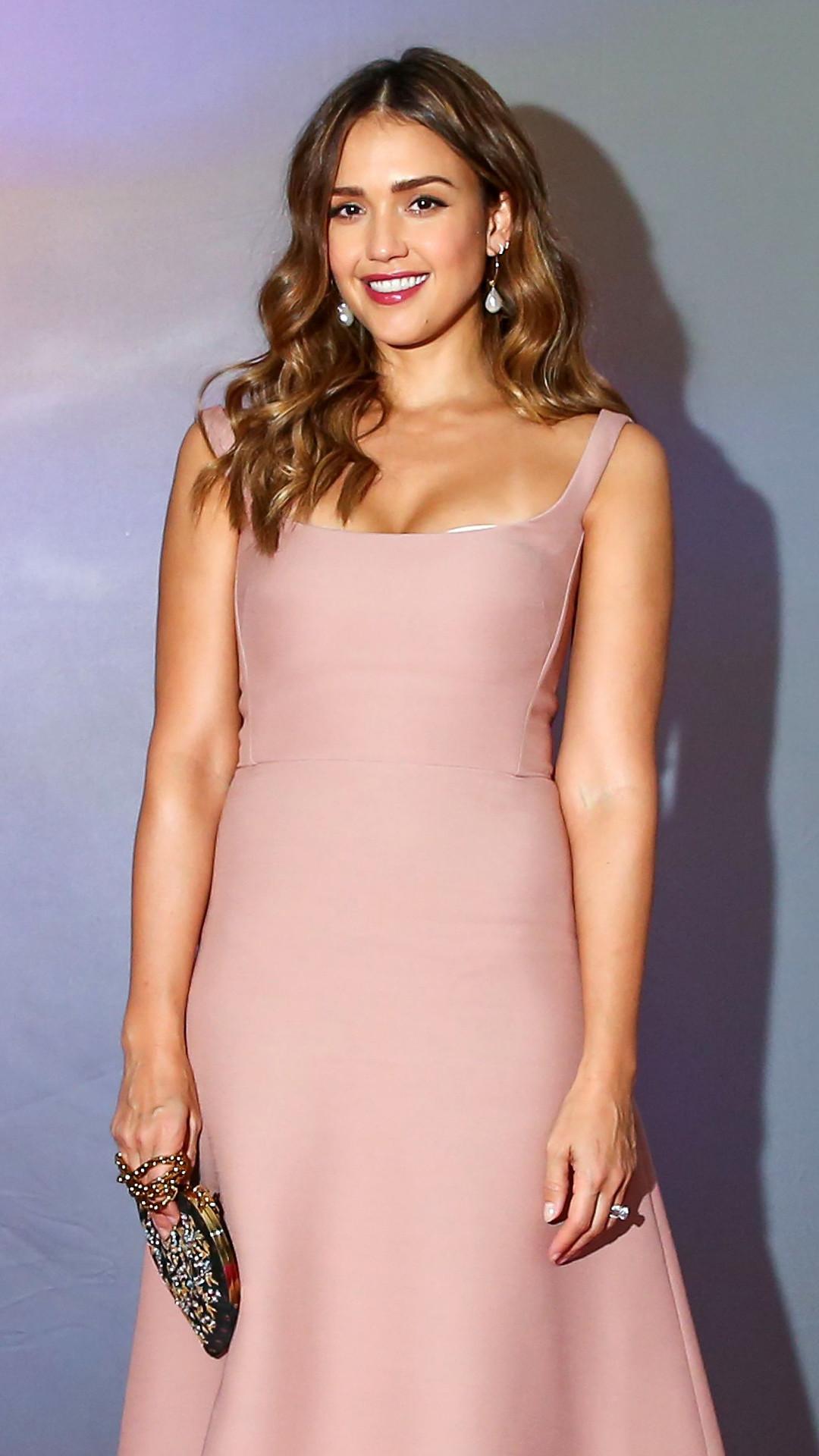 ESC: Best Dressed, Jessica Alba