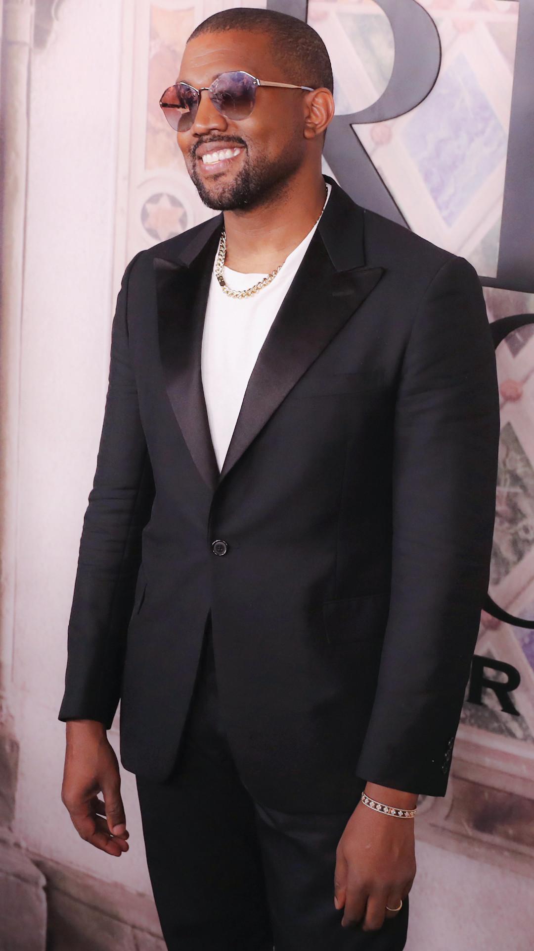 ESC: Kanye West, NYFW